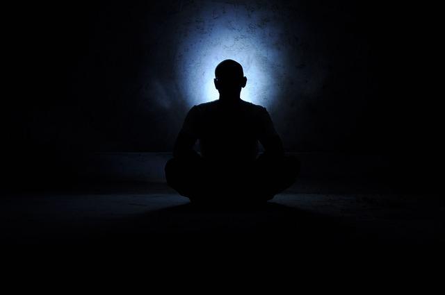 světlo při meditaci.jpg