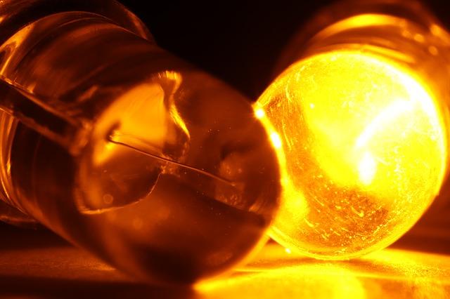 světlo - emitující dioda.jpg