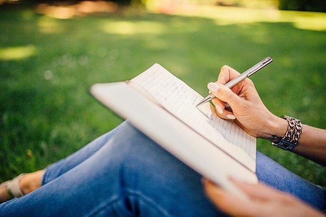 psaní na louce